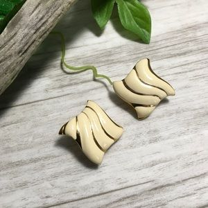 Vintage Gold Tone Cream Square Wave Clip Earrings